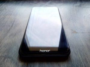 Передняя сторона смартфона Honor Play 7A